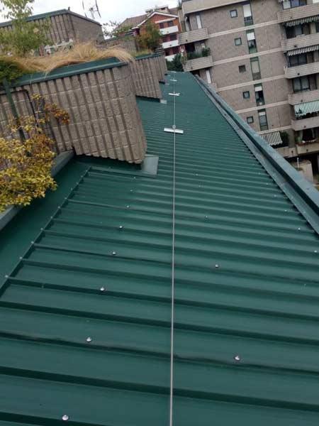 Montaggio-sistemi-anticaduta-tetto-condominiale-varese